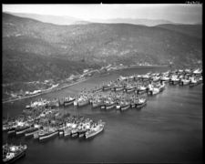 Hudson River National Defense Reserve Fleet 05.jpg
